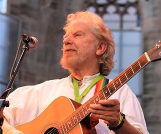 Renowned Irish Peace Activist & Musician to Appear in Milwaukee
